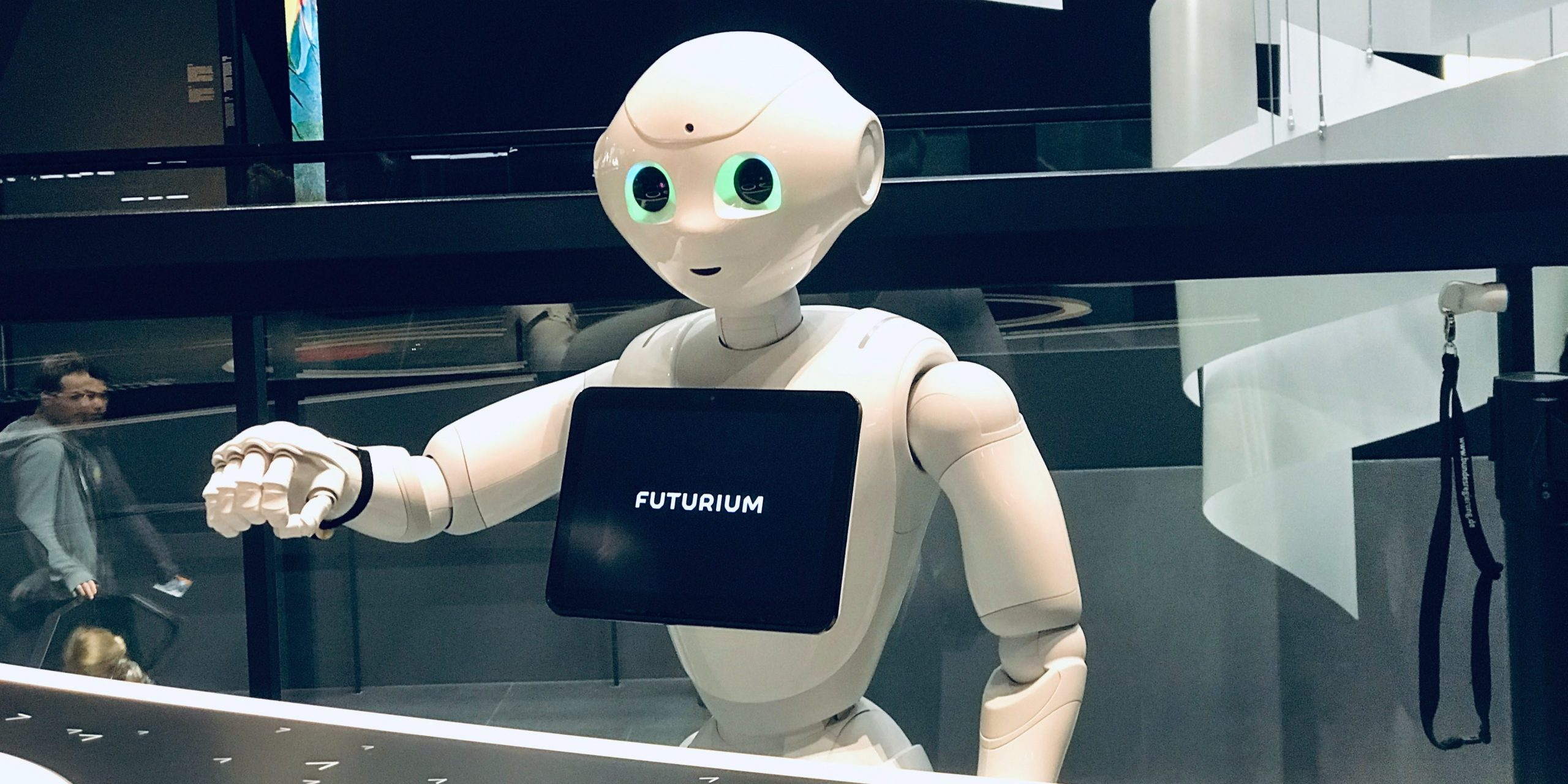 Более двух тысяч операций выполнил робот-хирург в Боткинской больнице