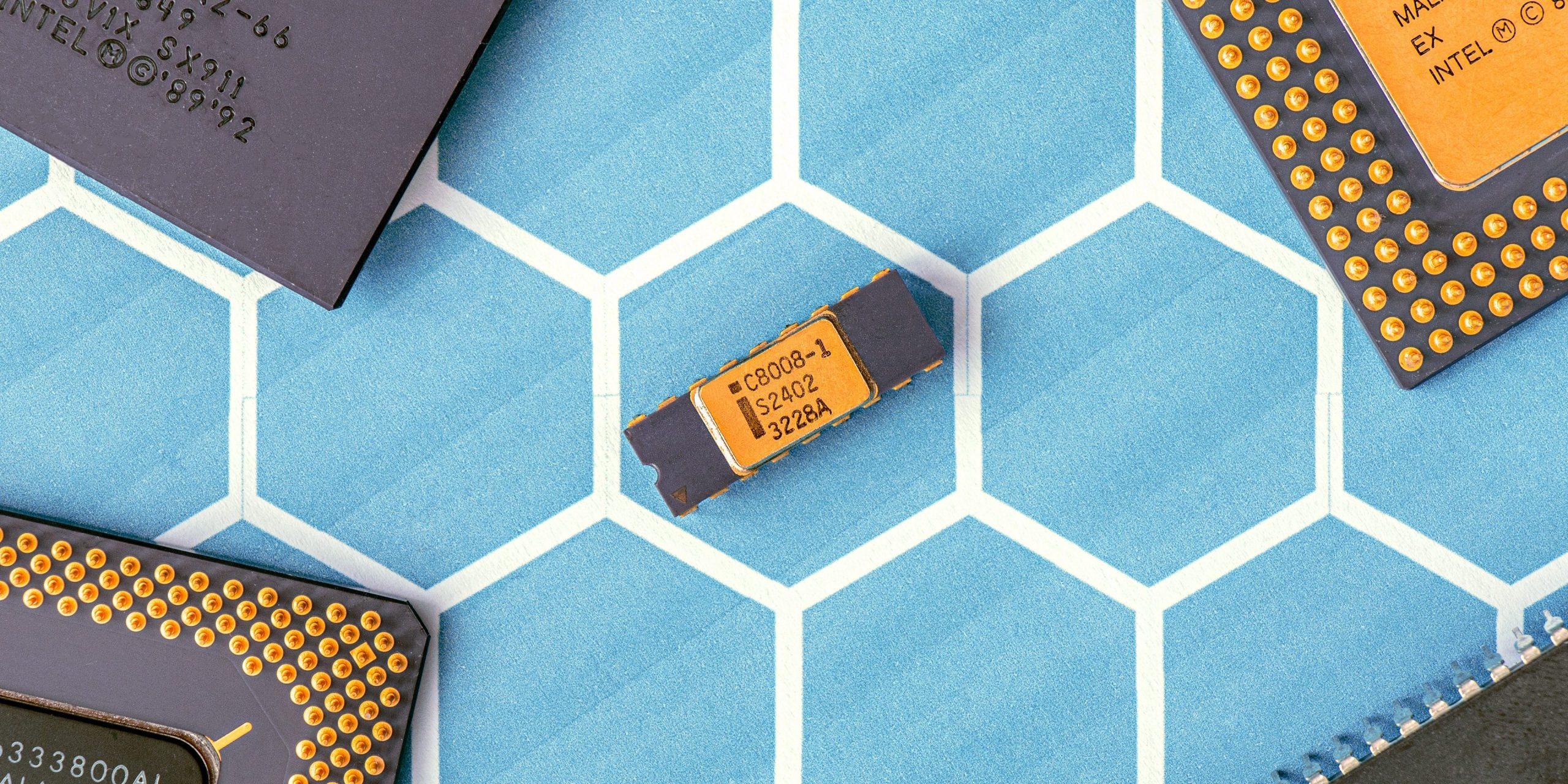 Минпромторг закажет разработку 32-ядерного процессора «Эльбрус»