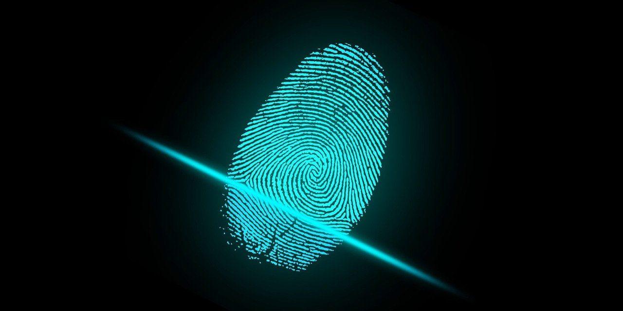 Сбербанк планирует до конца года запустить удаленную идентификацию через биометрию