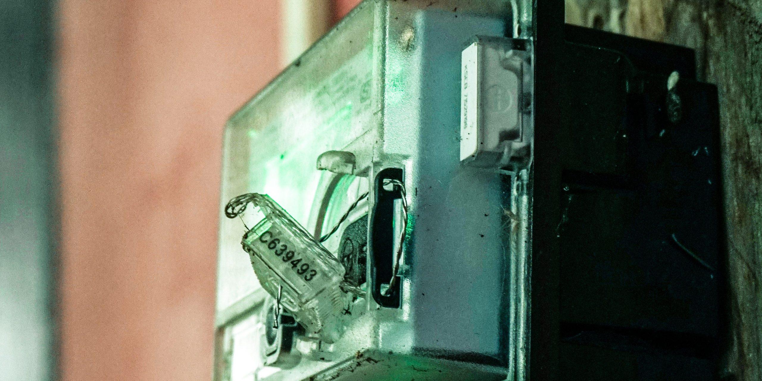 Сотовые операторы сообщили о незаконности более 1 млн умных счетчиков