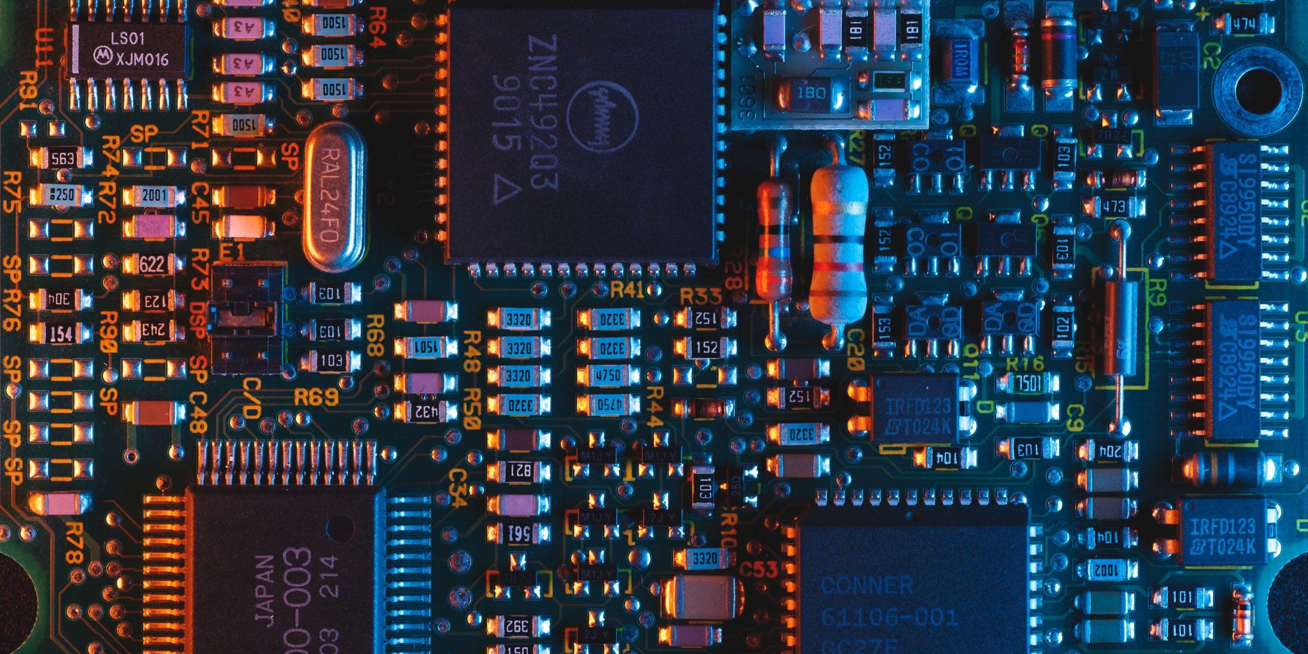 842 чипа в секунду: в IV квартале 2020 года произведено 6,7 миллиарда чипов на базе ARM