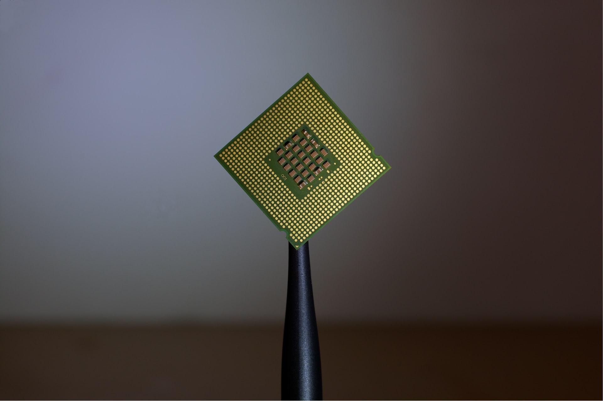 Компания Tesla разработала чип для тренировки нейросетей