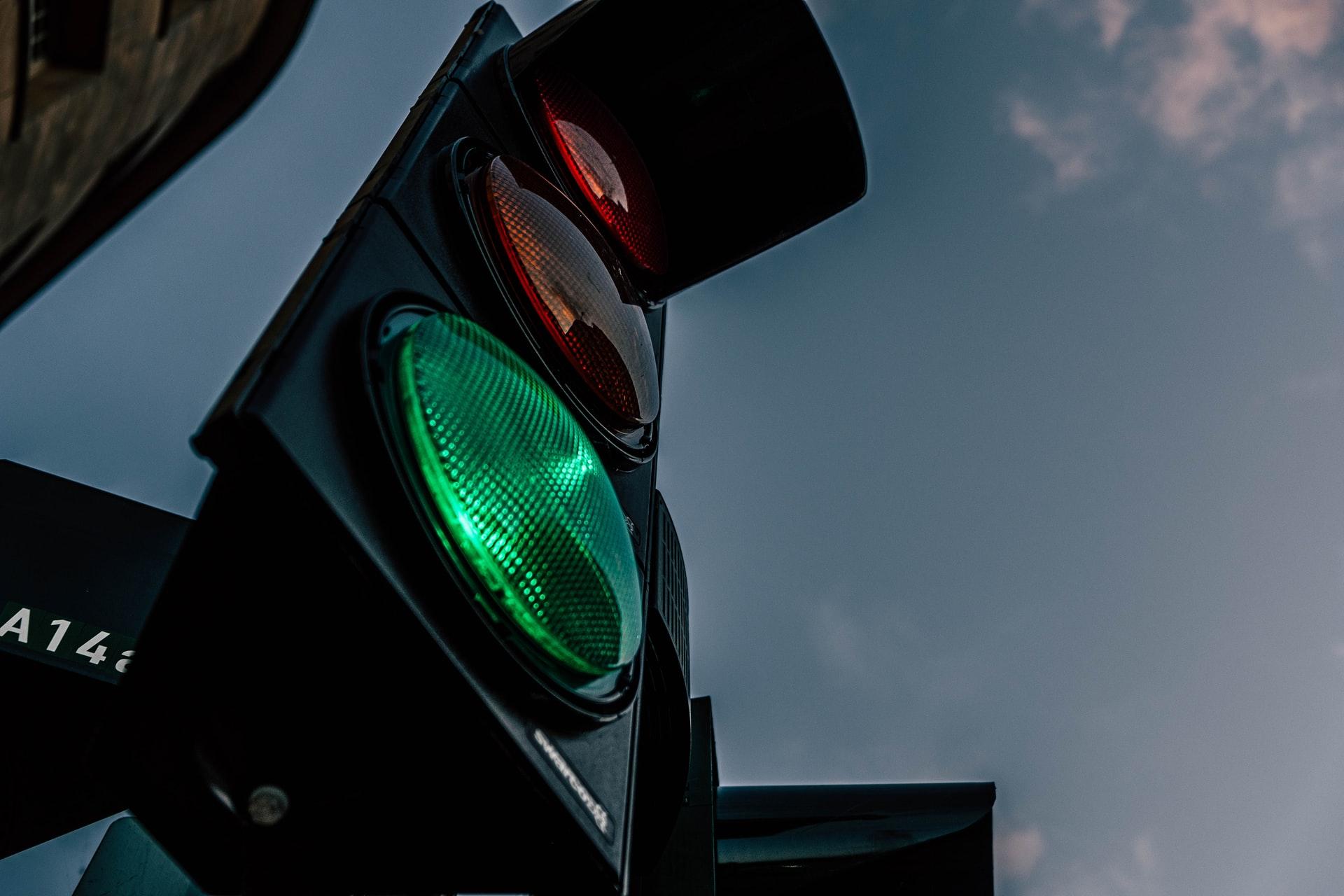 В Италии появились светофоры, которые сами штрафуют нарушителей ПДД