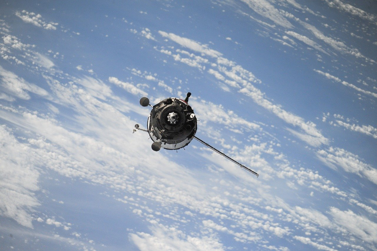 Rocket Lab получила контракт на запуск группы спутников для Интернета вещей