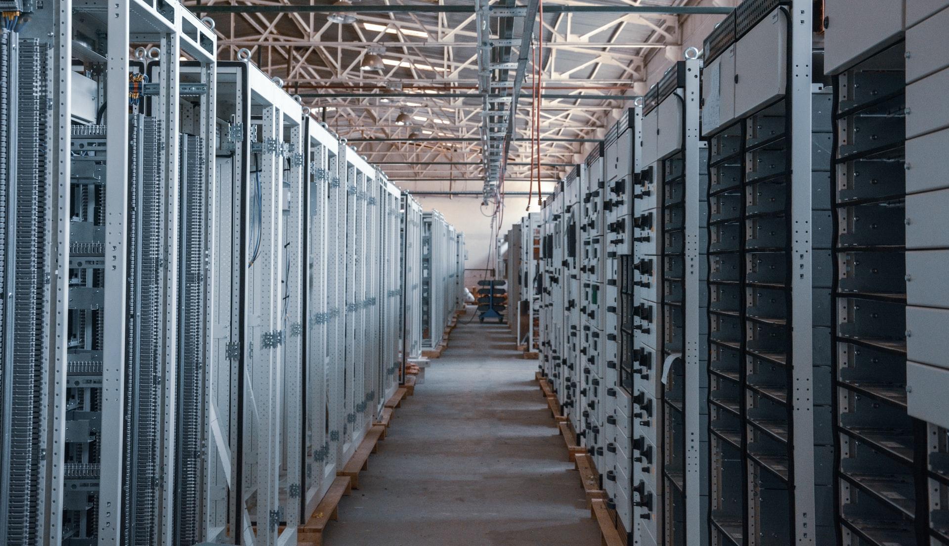«Яндекс», «Ланит» и ВТБ начали строить в России завод по производству серверов