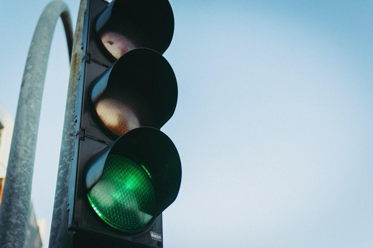 Умные светофоры Ростеха заработали на улицах Екатеринбурга